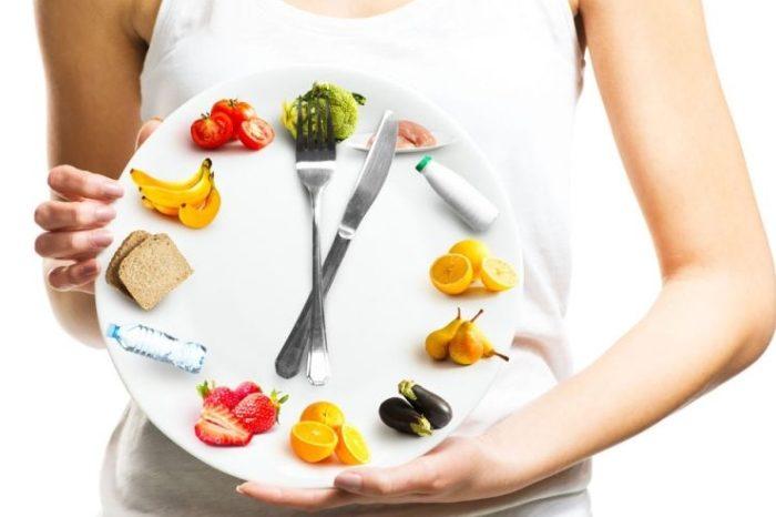 Obalamy największe mity dotyczące okresowych głodówek