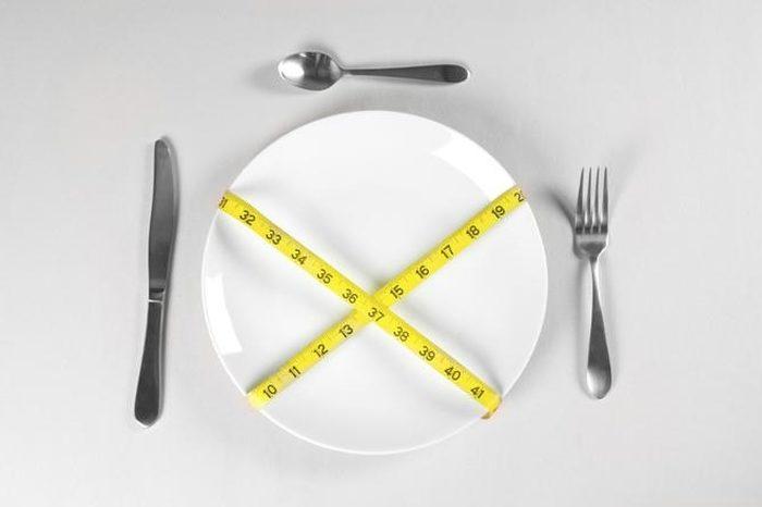 Sporadyczna głodówka – sposób na zdrowie i nienaganną sylwetkę