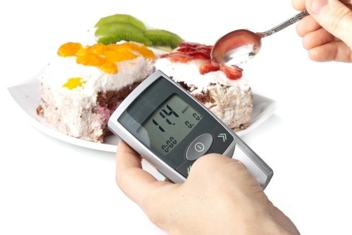 Insulinowa teoria otyłości – dlaczego diety niskowęglowodanowe mają sens?